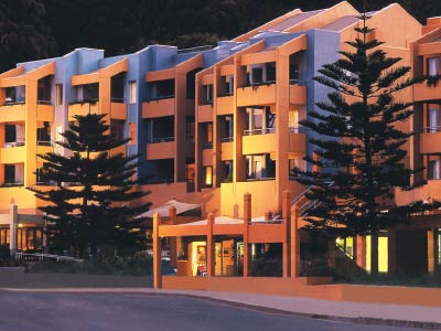 Cumberland Lorne resort hotel on Gray Line overight 2 day Great Ocean Road tours