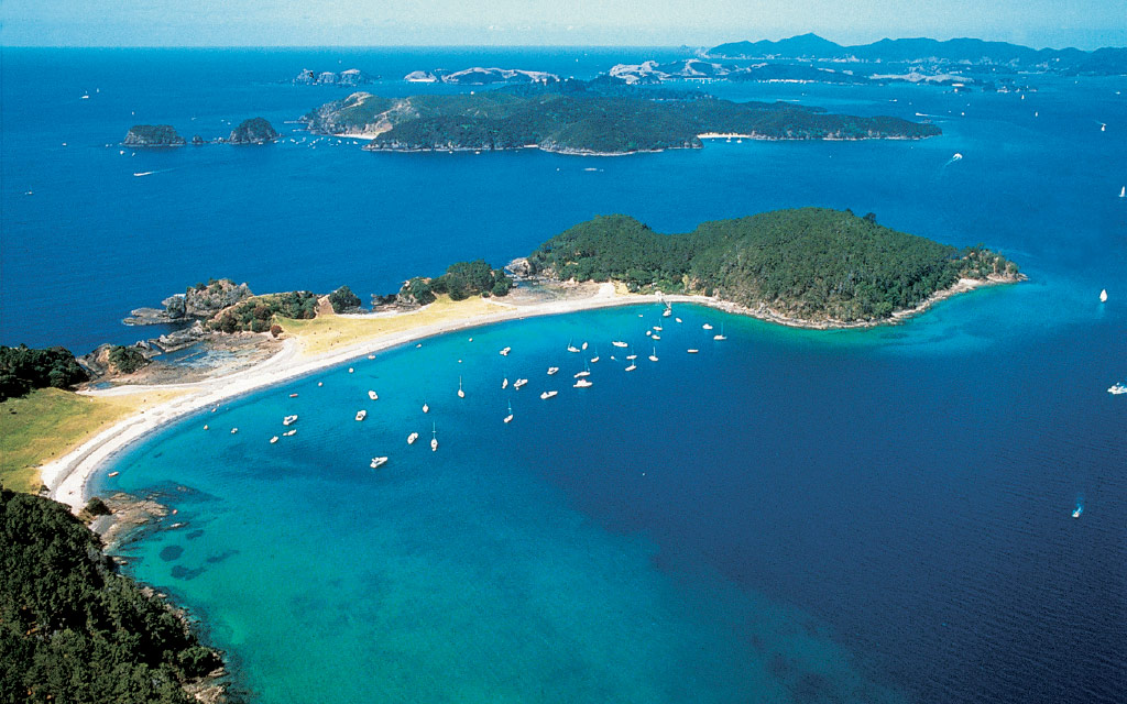 Bay Of Islands With Hole In The Rock Cruise And Waitangi