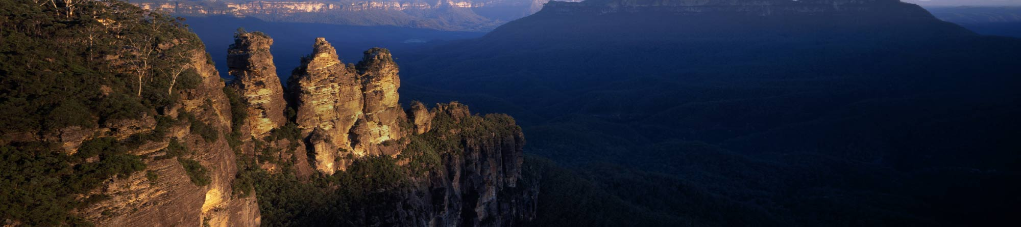 Suslight catching The Three Sisters rock outcrop in The Blue Mountains West of Sydney