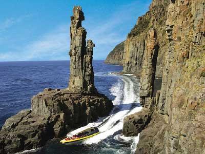 Dramatic coastal scenery, bruny island