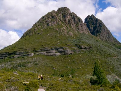 Rugged peaks of Cradle Mountain